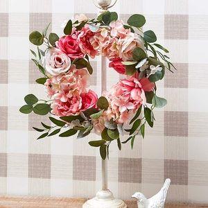 Decorative Metal Wreath Hanger
